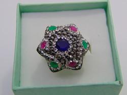 Ezüst gyűrű drágakövekkel