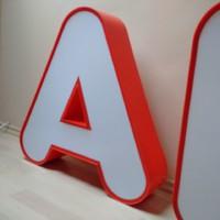 Világító reklám betűk üzletfelirat loft design dekoráció 2db