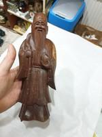 Kinai fa faragott figura