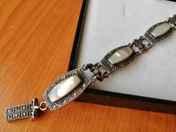 Régi ezüst karkötő gyöngyházzal és markazitokkal