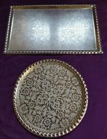 2 db. lemez tálca - virág és madár - dúsan mintázott - 20 x 32 cm. a téglalap alakú