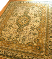 Óriási méretű gépi perzsa szőnyeg