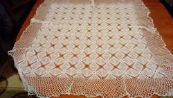 Horgolt csipke rieselt terítő kézimunka 85*82 cm