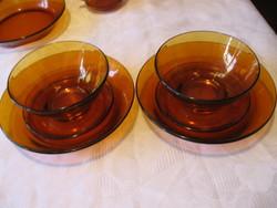 Borostyán üveg leveses, műzlis tálka kis és nagy tányérral trió 2 db egyben 2+2+3