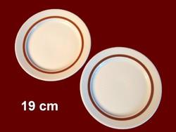 2 db barna csíkos alföldi porcelán süteményes tányér pótlásnak