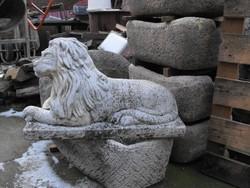 Antik régi Kastély kerti kő Oroszlán szobor kb 70cm 50Kg