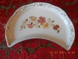 Zsolnay pillangó mintás csontos tányér