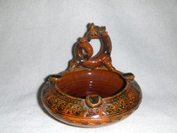 Tradicionális autentikus Kínai sárkány ünnep alkalmából készített kerámia tálka (fp)