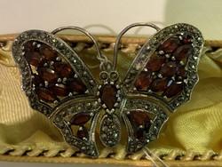 Pillangós ezüst kitűző Bross