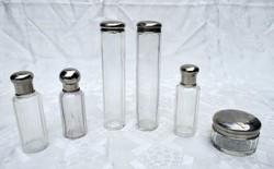 Pipere , púder , parfüm , kölni , krém , hintőpor utazó üveg tégelyek fém kupakkal 6 darab garnitúra
