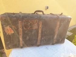 Régi vintage nagy méretű bőrönd, koffer  eladó!