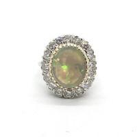 2192. Arany Gyűrű Gyémántokkal és Opállal