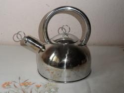 Régebbi fém teáskancsó