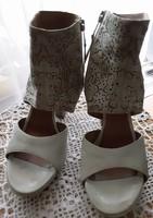 Eredeti bőr Mjus 37es cipő, szandál, tavaszra, nyárra, halvány almazöld, hímzett felsőrész, elegáns