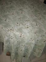 Vintage stílusú női pasztell színű tavaszi selyem sál