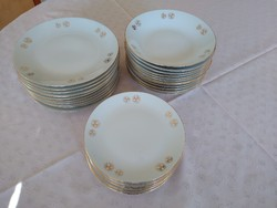 10 terítékes 30+2 db csehszlovák Bohemia porcelán tányér készlet szép állapotban