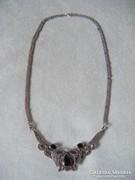Ezüst nyakék ónix kövekkel és markazitokkal