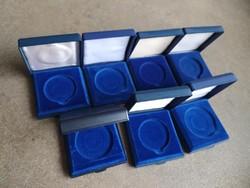 7 db érmetartó doboz vegyes fészekmérettel (id45460)