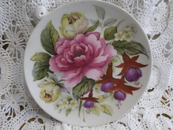 Gyönyörű virágos porcelán tányér, falra akasztható.