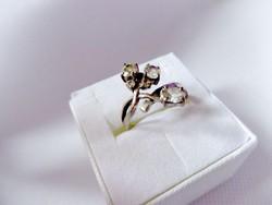 Ezüst szecessziós stílusú régebbi  gyűrű CZ kövekkel 7.75