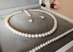 Klasszikus igazgyöngy nyaklánc karkötő fülbevaló ékszer szett, tenyésztett gyöngy alkalmi esküvői