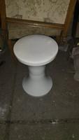 Fehér pille szék
