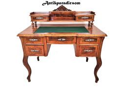 A292 Gyönyörű felépítményes barokk íróasztal