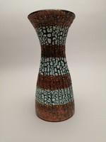 Iparművészeti zöld-barna csurgatott mázas kerámia váza