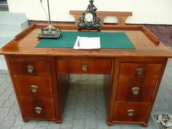 Korábban restaurált, gyönyörű eredeti antik biedermeier íróasztal az 1800-as évek derekáról