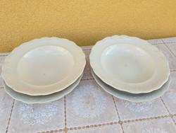 Porcelán   tányér eladó! 2  db mély tányér, 2 db lapos tányér eladó!