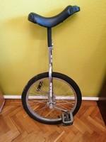 Egykerekű bicikli nagyon szép állapotban, alig használt