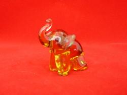 üveg elefánt