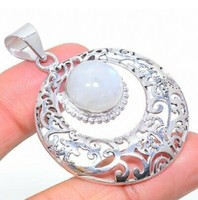 Csodás ceyloni holdkő 925 ös ezüst medál