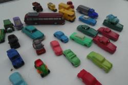 Régi retro trafikárus műanyag kisautó csomag