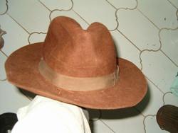 Régi férfi sapka kalap retró néptáncosoknak antik gyűjtőknek stb