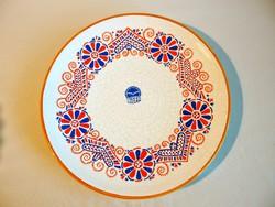 Nagyon ritka Bodrogkeresztúri kerámia fali tál, tányér, Buzsáki vézás mintával kézzel festve 23 cm