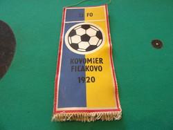 """Focicsapat zászló""""KOVOMIER FILAKOVO""""felirattal"""