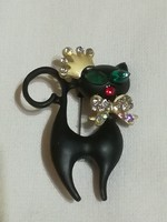 Fekete cica  bross.