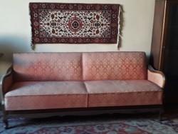 Regi kinyithato kanapé