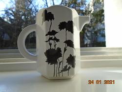 Egyedi forma és mintavilággal hatszögletes designer tejszínes kiöntő fekete Keleties növénymintával