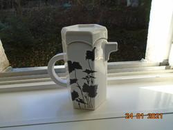 Egyedi forma és mintavilággal hatszögletes designer tea kiöntő fekete Keleties növénymintával