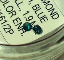 Gyémánt - 0,01 ct, 1,3 mm, kék, természetes, SI, színkezelt