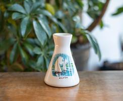 Jelzett Bodrogkeresztúri szuvenír váza - Balatoni emlék vitorlás hajókkal