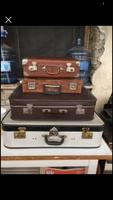 Régi/antik bőröndök dekoráció céljára ajánlanám