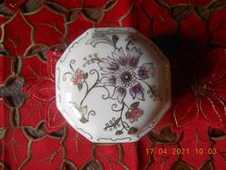 Zsolnay porcelán nyolcszögletű bonbonier