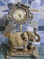 Óra asztali elefántos spanyol 30*18*10 cm