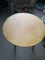 Kerek retró asztalka