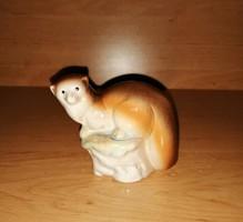 Jelzett porcelán nyest figura 7,5 cm magas (po1)