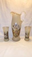 Antik üveg kancsó poharakkal festménnyel vadász trófeával