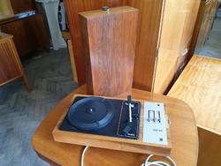 Retro régi Tesla fadobozos lemezjátszó táskalemezjátszó